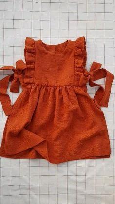 Sewing Patterns Girls, Girls Dresses Sewing, Sewing Baby Clothes, Kids Clothes Patterns, Baby Girl Dress Patterns, Baby Girl Dresses Diy, Baby Dress Pattern Free, Baby Sewing Tutorials, Dress Sewing Tutorials