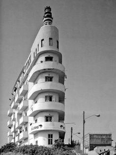 Erich Mendelsohn, Mosse House in Berlin (built 1921-23 ...