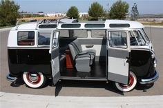 1963 VOLKSWAGEN 21 WINDOW CUSTOM DELUXE BUS - Barrett-Jackson Auction Company - World's Greatest Collector Car Auctions
