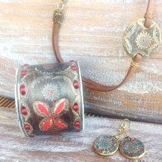 Bangles#Tooled leather cuc bracelet, Brazalete. Conjunto piel de Ubrique echo a mano#estiloboho#moda#brazalete#pendientes#gargantilla#