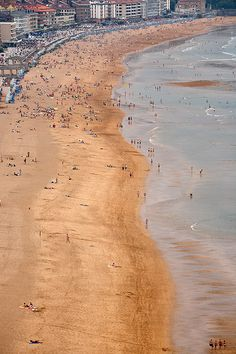 Playa de Zarautz. © Inaki Caperochipi Photography