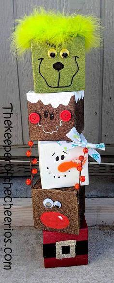 Christmas Crafts with wood Christmas-wood-block-craft Christmas Wood Block Crafts, Diy Christmas Decorations For Home, Christmas Blocks, Christmas Crafts For Kids, Spring Crafts, Holiday Crafts, Decoration Crafts, Winter Wood Crafts, Party Crafts