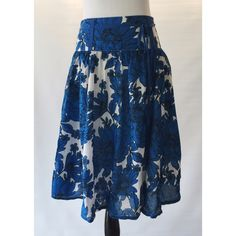 Vintage Flowy Midi Skirt Flowy floral Anthropologie type skirt. Matching fabric belt, worn once. Super cute with a crop top! London Jean Skirts A-Line or Full