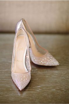 Christian Louboutin Bridal Shoes | Shane and Lauren Photography via http://styleunveiled.com/real-weddings/luxe-sunset-boulevard-hotel-wedding/