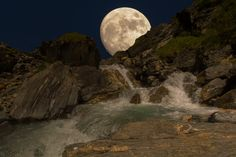 "Full Moon in ""Lindiland"" Full Moon, Celestial, Explore, Twitter, Nature, Photos, Travel, Outdoor, Paisajes"