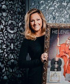 Sie ist zu schön ❤ #helenefischer #helene #fischer #schweiz #auszeichnung #weihnachten #schönheit #bezaubernd #beautiful #zumverlieben #schönstefrau #weloveyou #yourethebest #love ❤ @davidbiedert