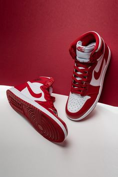 "Based on an extremely rare player exclusive colorway of the Air Jordan 1 that Michael Jordan wore before he got his hands on the ""Chicago"" design, this half of the ""New Beginnings Pack"" recalls the beginnings of the then-promising Air Jordan collection. Zapatillas Nike Basketball, Zapatillas Nike Jordan, Nike Basketball Shoes, Air Jordan Retro, Jordan 1 Red, Air Jordans Women, Nike Air Jordans, Womens Jordans, Dress Shoes"