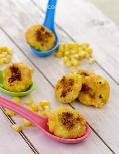 These nutritious vegetable laden, colourful and mouth watering cutlets are great to tempt the tummy of children with a less predictable palate or a smaller appetite. For more baby friendly appeal, roll the cutlets in fancy shapes and sizes. Serve them as a snack with your child's favourite sauce or sweet chutney, or make a burger or frankie filling with it.