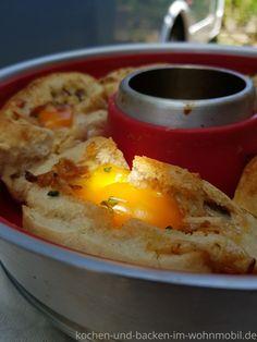 Schnelles Rezept für den Omnia Backofen: Gefüllte Brötchen mit Ei › kochen-und-backen-im-wohnmobil.de