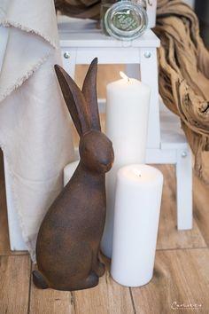 Ceramic Design, Ceramic Art, Garden Crafts, Diy Crafts, Rabbit Sculpture, Ceramic Workshop, Diy Ostern, Cement Crafts, Rabbit Art