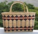 I love basket weaving! Types Of Weaving, Weaving Art, Weaving Designs, Weaving Projects, Basket Weaving Patterns, Hawaiian Crafts, Twig Furniture, Making Baskets, Bountiful Baskets
