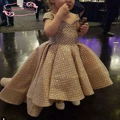 baby girl party dresses cheap flower girl dresses for weddings 2020 champagne sparkle kids prom gown pageant little girl dresses Silhouette: ball gown Material: Elastic Pongee, t Kids Prom Dresses, Kids Dress Wear, Baby Girl Party Dresses, Cheap Flower Girl Dresses, Kids Gown, Little Girl Dresses, Baby Dress, Dresses Dresses, Baby Girl Birthday Dress
