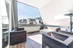 Glockenbachviertel: Helle, großzügig geschnittene Maisonette-Wohnung mit 4 Zimmern und sonniger Süd-Loggia Details: http://www.riedel-immobilien.de/objekt/3475