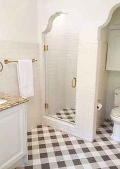 150 stunning farmhouse bathroom tile floor decor ideas and remodel to inspire your bathroom – Flooring Bad Inspiration, Bathroom Inspiration, Brown Bathroom, Small Bathroom, Serene Bathroom, White Bathrooms, Budget Bathroom, White Subway Tiles, Transitional Bathroom