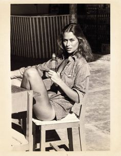 Miss Moss : Lauren Hutton - When my mom told me I was getting braces years ago I shouted, & I wanna be like that one lady who is famous for her gap!& (Cue in Lauren Hutton) Lauren Hutton, Lauren Bacall, Linda Evangelista, Christy Turlington, Alexa Chung, Twiggy, Kate Moss, Model Tips, Miss Moss