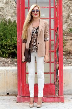 I love blazers and classy animal prints Short Outfits, Casual Outfits, Cute Outfits, Smart Casual Dresses For Work, Slacks For Women, Blazers, Animal Print Blouse, Work Attire, Her Style