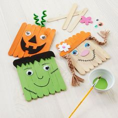 The little ones will enjoy making these DIY Kids Club® Craft Stick Fall Characters (Halloween Manualidades Colegio) Fall Arts And Crafts, Halloween Arts And Crafts, Fall Crafts For Kids, Crafts For Teens, Holiday Crafts, Art For Kids, Toddler Halloween Crafts, Preschool Fall Crafts, Winter Craft