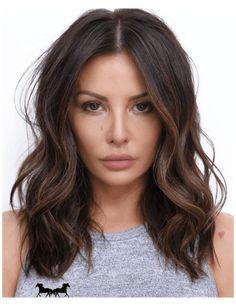 Medium Hair Styles, Short Hair Styles, Brown Hair Balayage, Brown Lob Hair, Brown Hair Cuts, Short Balayage, Brown Hair Olive Skin, Dark Balayage, Brunette Hair Chocolate Caramel Balayage