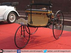 Mercedes-Benz Motorwagen. It is considered to be the very first automobile in the world. #vintagecar #cyclecar #MercedesBenz