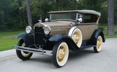 1931 Ford Model A Deluxe Two-Door Phaeton