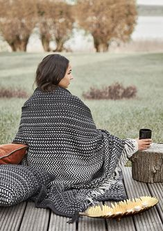 The Living Lounge - Recycled Plastic Outdoor Blanket! Feels like wool - White/Black Outdoor Cushions, Outdoor Blanket, White Cabin, Autumn Cozy, Pet Bottle, Dust Mites, Sofa Throw, Beach Blanket, Recycle Plastic Bottles