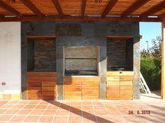 QUINCHO LOS QUETEHUES Outdoor Kitchen Grill, Outdoor Kitchen Design, Outdoor Kitchens, Outdoor Patio Designs, Barbacoa, Backyard Patio, Outdoor Living, Bbq, Home Decor