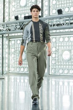 See the complete GmbH Spring 2018 Menswear collection.