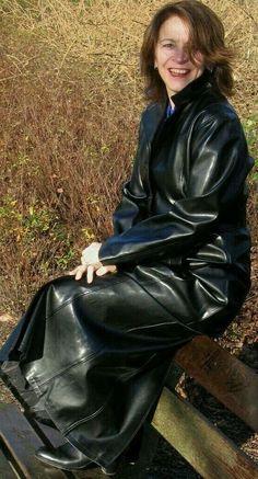 Fashion 4 Long Leather Coat, Leather Jacket, Leather Trench Coat Woman, Trent Coat, Black Mac, Mode Latex, Leder Outfits, Pvc Coat, Rain Wear