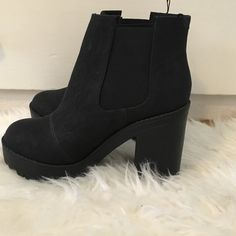 High heeled boots Cute and fashionable never before worn matte black high heeled boots Divided Shoes Heeled Boots