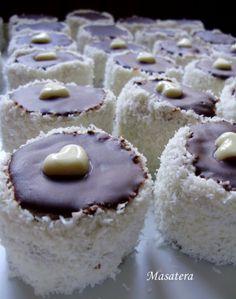 Velmi pěkné koláčky, na které se budete muset vyzbrojit o trošku větší trpělivostí než u klasických vánočních koláčcích.