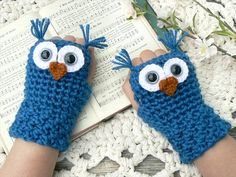 Crochet Owl Fingerless Gloves Wrist Warmers with Gray Safety Eyes and Soft Ocean Teal Acrylic Yarn Woman's Sizes Crochet Fingerless Gloves Free Pattern, Fingerless Mitts, Crochet Gloves, Crochet Edging Patterns, Knitting Patterns Free, Crochet Ideas, Owl Patterns, Crochet Wrist Warmers, Crochet Owl Hat