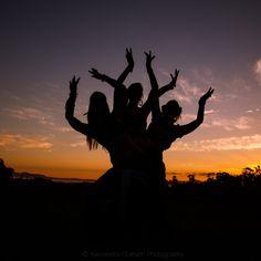 A dança é uma das três principais artes cênicas da Antiguidade, ao lado do teatro e da música.
