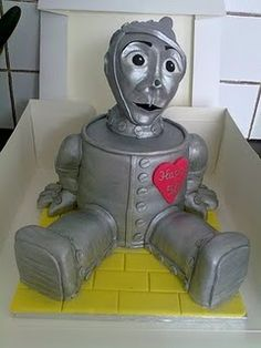 """""""The Wizard Of Oz"""" Movie The Tin Man Character 3-D Cake"""