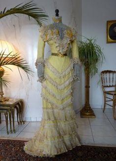antikes Kleid, Kleid 1899, antikes Promenaden-Kleid, antikes Empfangskleid, Empfangskleid 1899, viktorianisches Kleid, Mode 1899, Mode 1900