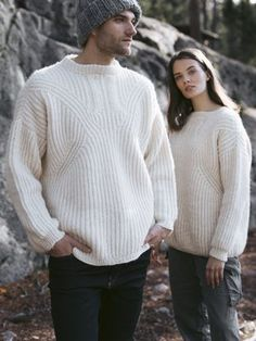 Unisex sweater from Novita Natura, a 100 % wool yarn. The body is knitted in one piece from bottom up to the sleeves. Wool Yarn, Knitting Yarn, Needles Sizes, Men Sweater, Turtle Neck, One Piece, Pullover, Sleeves, Pattern