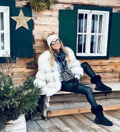 Happy Weekend, Fur Coat, Going Dutch, Winter Jackets, Fashion, Womens Fashion, Winter Coats, Moda, Winter Vest Outfits