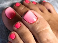 Your toe nail colors should always keep up with the season. There is no way we will allow you to stay behind and out of the trend! pedicure Amazing Toe Nail Colors To Choose In 2019 Pretty Toe Nails, Cute Toe Nails, Gel Nails, Pink Toe Nails, Gel Toes, Bright Toe Nails, Pink Toes, Toe Nail Color, Toe Nail Art
