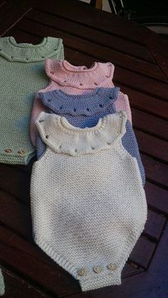 foto di Tricotting Handmade Knitwear. [] #<br/> # #Knitwear,<br/> # #Handmade,<br/> # #Knitting,<br/> # #Tissue<br/>