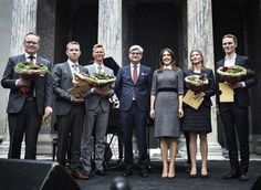 Crown Princess Mary presented the awards of the EliteForsk at a ceremony at the Glyptoteket Art Museum in Copenhagen on February 23, 2017. The aim of Elite Research as an organisation is to highlight and encourage the efforts and achievements of young Danish researchers. Eliteforks, grants 100,000 danish kroner (approximately $15,000) and gives 20,000 danish kroner for their research with each award.