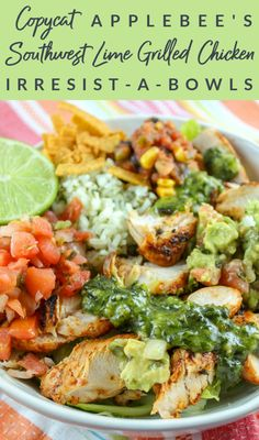 Copycat Applebee's Southwest Lime Grilled Chicken Irresist-a-bowl Salad Recipes, Healthy Recipes, Cat Recipes, Healthy Meals, Healthy Food, Applebees Recipes, Southwestern Chicken Salads, Chicken Rice Bowls, Salads