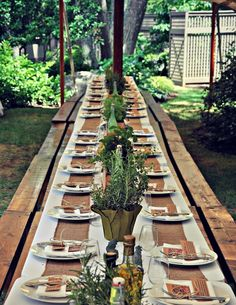 Take a look at Interesting Image (www.styleinspirat) I found on www.stylein Take a look at Interesti Rustic Garden Party, Garden Party Wedding, Rustic Gardens, Country Birthday Party, Italian Themed Parties, Rustic Italian, Italian Table, Garden Bench Plans, Garden Front Of House