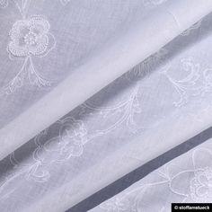 Stoff Baumwolle Batist weiß Stickerei Blume leicht von Stoff am Stück auf DaWanda.com