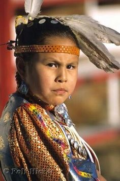 Canadian First Nation girl <> (children of the world, kids)