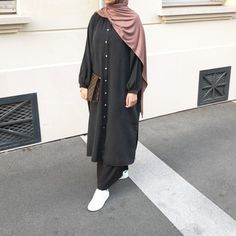 Modest Fashion Hijab, Modesty Fashion, Abaya Fashion, Casual Hijab Outfit, Hijab Style Dress, Hijab Fashion Inspiration, Mode Inspiration, Moslem Fashion, Look Fashion