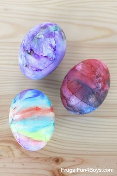 How to make tie dye Easter eggs with Sharpie markers.