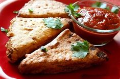 In bread pokora is famous snack in India. Easy to cook and everyone loves it. Eating bread pakora with a sweet sauce and a spicy chutney accompanied by a cup of hot Indian tea.  Here I am giving you recipe, cook and taste India Break Pakora : Ingredients : Take 5-6Bread Slices 1 ½ cup Gram Flour (Besan) 1/4th tsp turmeric powder Salt to taste 1/2 tsp Ajwain  #foodrecipe #famousrecipie #healthyrecipe #HoneyChillyPotato #indianfoodrecipes #vegetablerecipie #vegetarianrecipe #chicken recipe… Indian Snacks, Indian Food Recipes, Vegan Recipes, Snack Recipes, Bread Pakora, Good Food, Yummy Food, Tasty, Pakora Recipes