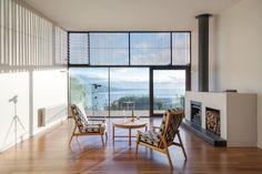 Ola Architecture Studio has designed Mount Martha House, a vacation home located in Mornington Peninsula, Victoria, Australia. Australian Beach, Australian Homes, Living Area, Living Spaces, Living Room, Interior Architecture, Interior Design, House And Home Magazine, Home Crafts