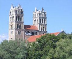 St. Maximilian Muenchen-5 - St. Maximilian (München) – Wikipedia