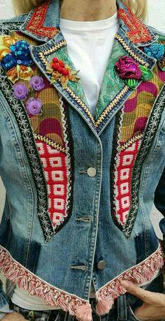 / denim jacket with patchwork, braid and embellishment / Denim Boho, Denim And Lace, Denim Art, Denim Vests, Denim Jackets, Estilo Jeans, Denim Ideas, Denim Crafts, Recycled Denim