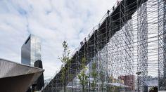 ロッテルダム駅前に登場した「急勾配の階段」が向かう先は・・・ | TABI LABO